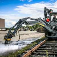 DYNASET-HPW-Hydraulic-Power-Washer-Tractor-Railroad-Washing-web.jpg