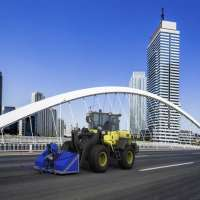 DYNASET-KPL-High-Pressure-Street-Washing-Unit-Loader-City-Bridge-web.jpg