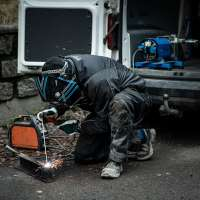 HG-Hydraulic-Generator-5kVA-on-VW-Caddy-Welding-Sidewalk-2019-Web.jpg