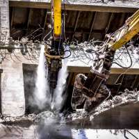 DYNASET-HPW-DUST-High-Pressure-Dust-Suppression-Excavator-Demolition-Close-web.jpg